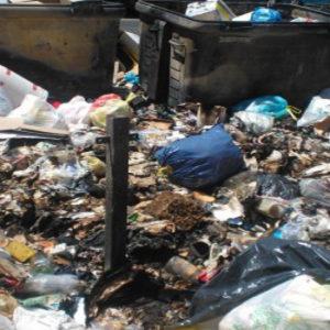 Terra dei fuochi, carcere per chi brucia o abbandona i rifiuti. Pronto il decreto