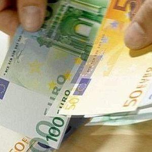 """Qualiano, si presentano come """"gli amici"""" per estorcere 200 euro ad un commerciante. Arrestati due giovani estorsori"""