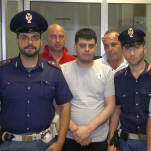 Scampia, dopo 13 mesi di latitanza Antonio Della Corte è stato tratto in arresto