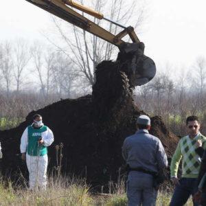 Villa di Briano, altro sito contaminato. Continua la ricerca dei rifiuti tossici nelle campagne del casertano