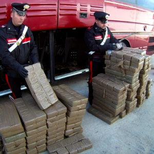 Giugliano, maxi operazione antidroga tra Campania e Spagna. Sequestrato carico di hashish da 800 kg. Guarda il video