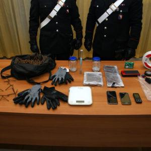 Casalnuovo, rinvenuto materiale esplosivo in un appartamento. Forse pronti per far esplodere uno sportello bancomat