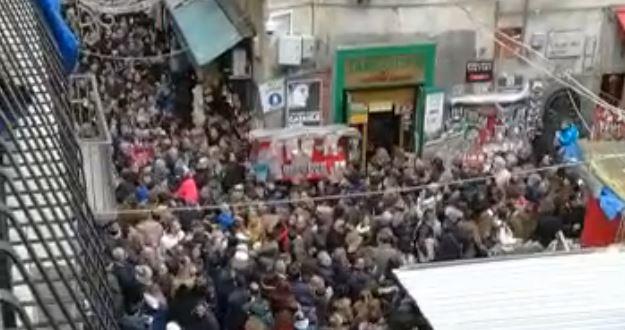 San Gregorio Armeno, rischio sicurezza. Guarda il video della vergogna.