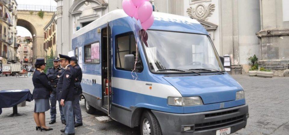 Napoli, 'Questo non è amore' iniziativa contro la violenza sulle donne della Polizia di Stato . Domani in città sarà presente il Camper Rosa
