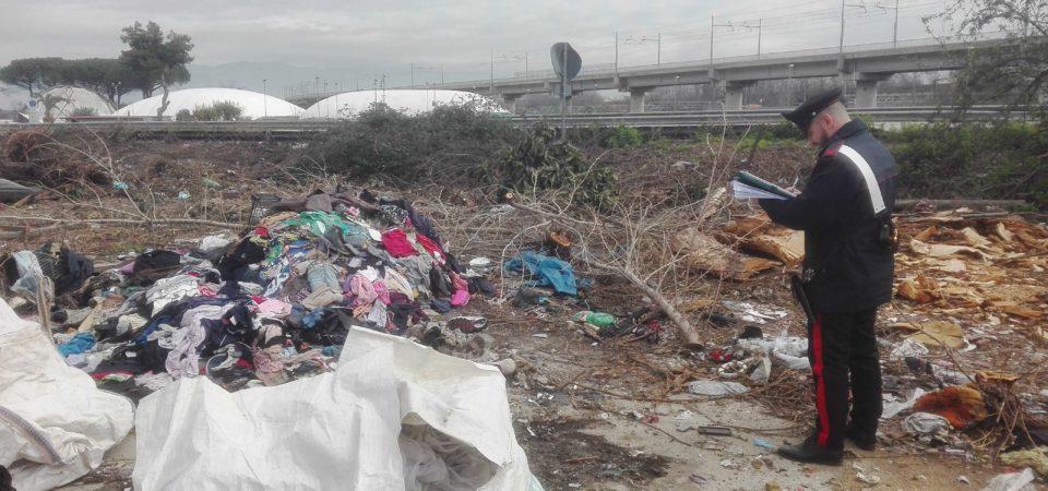 Marigliano, 4mila metri quadrati di campo coperto da rifiuti pericolosi e non. Sequestrata l'intera area. I rifiuti erano a diretto contatto col terreno