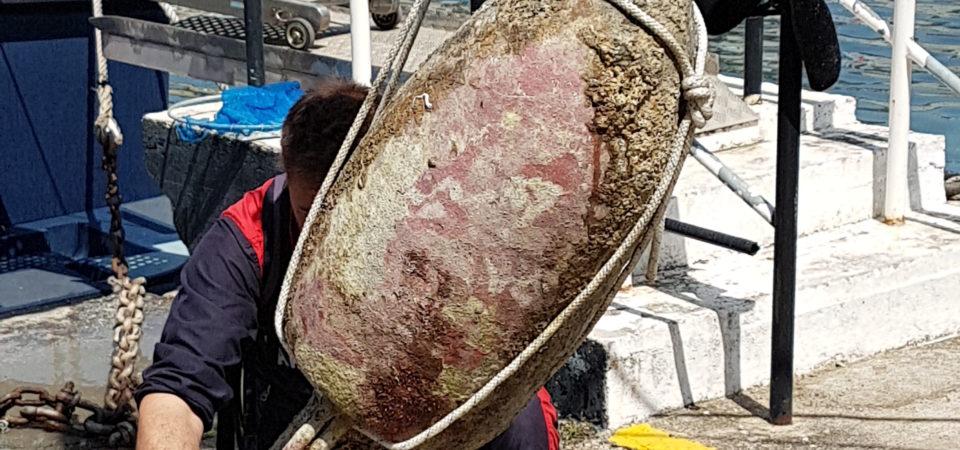 Napoli, acque marine preziose antistante la Riviera di Chiara. Recuperata anfora risalente al I sec. d. C.