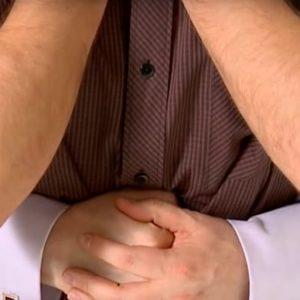 Nocera Inferiore, stava per soffocarsi con un bocconcino di mozzarella mentre festeggiava il suo anniversario di matrimonio. Ricoverato in prognosi riservata
